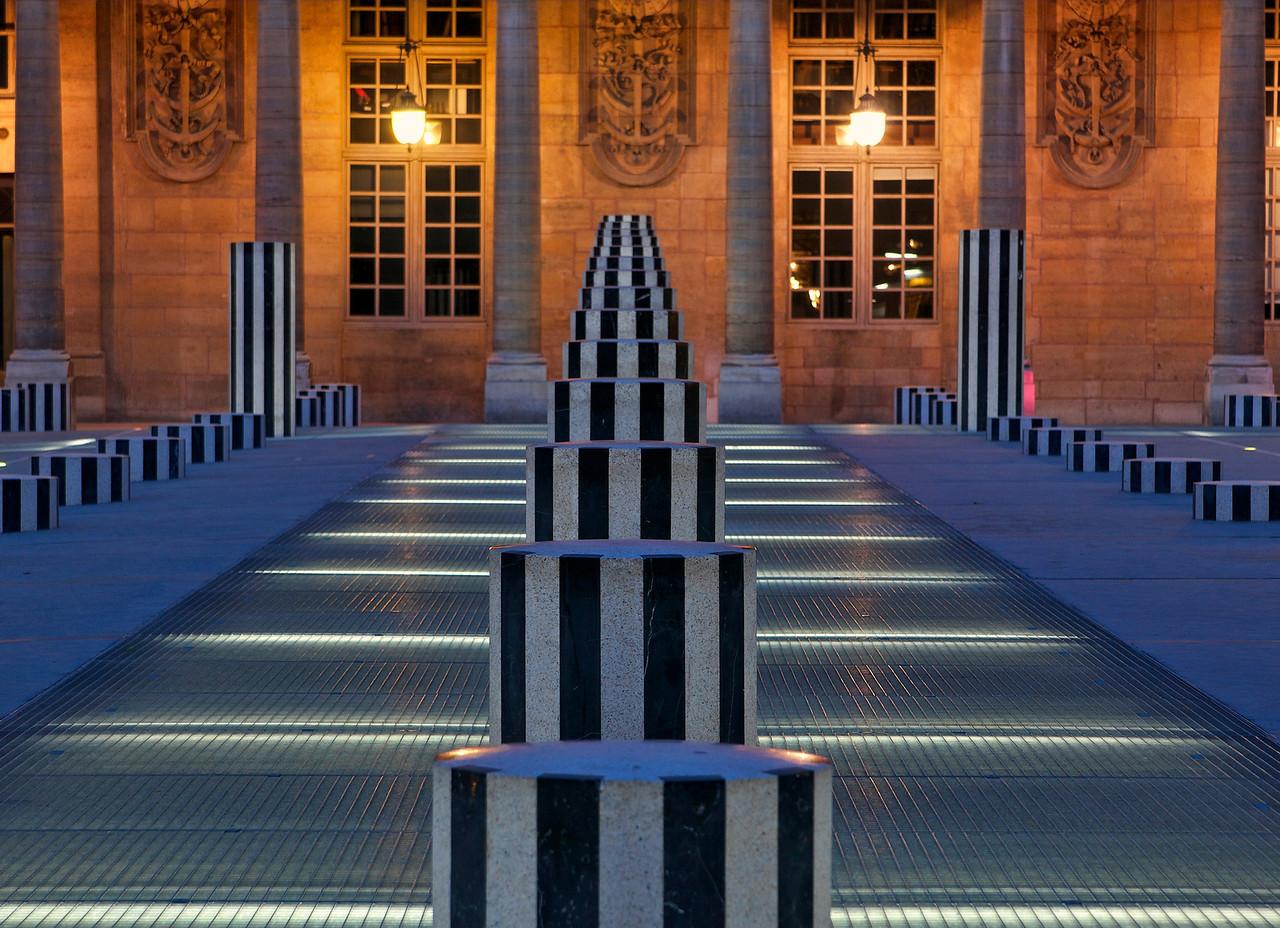 Les colonnes de buren paris france www for Les photos de paris